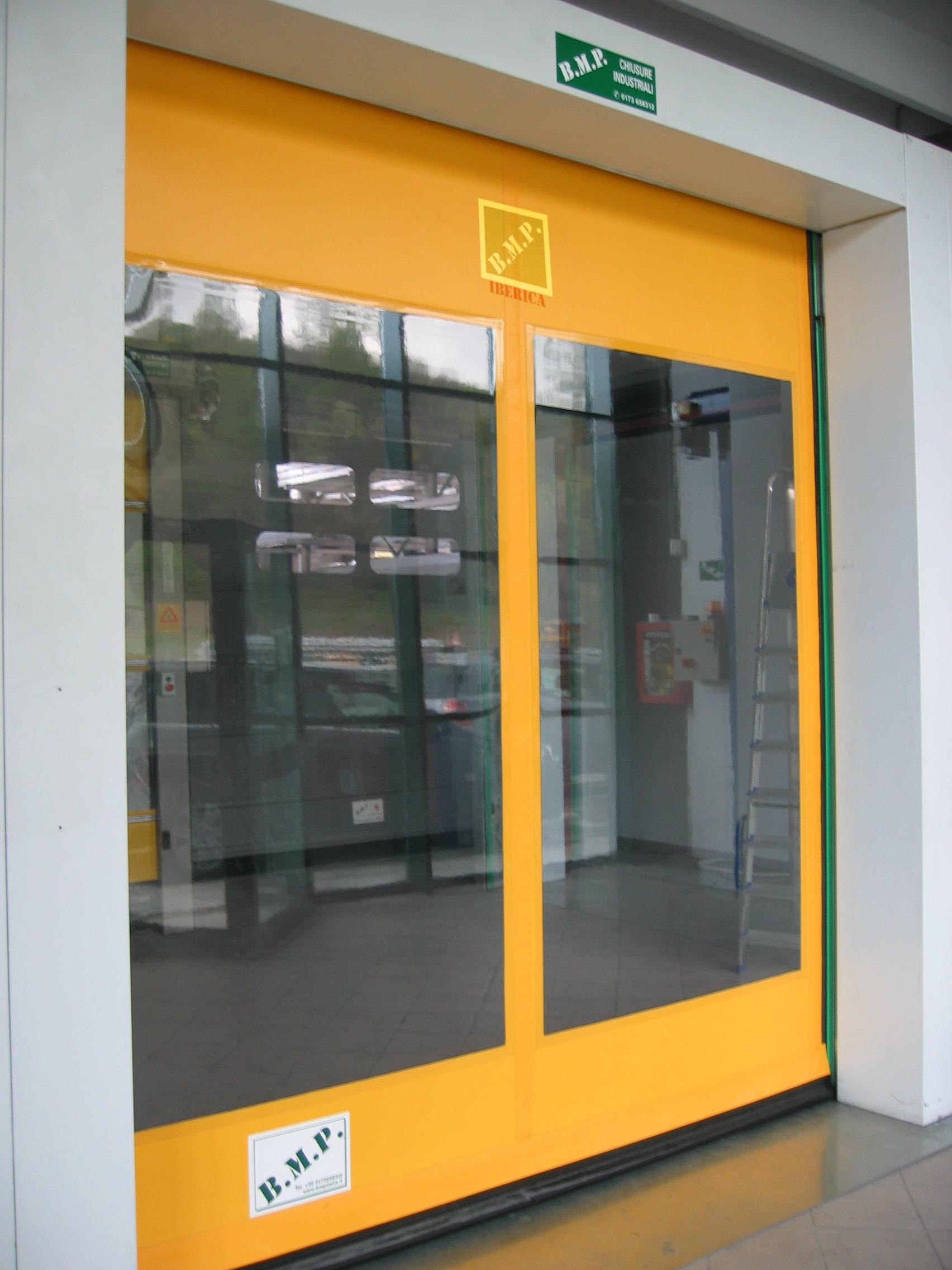 Puertas r pidas puertas autom ticas murcia por doormu - Puertas de garaje murcia ...